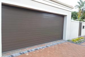 Bronze-Aluminium-Garage-Door